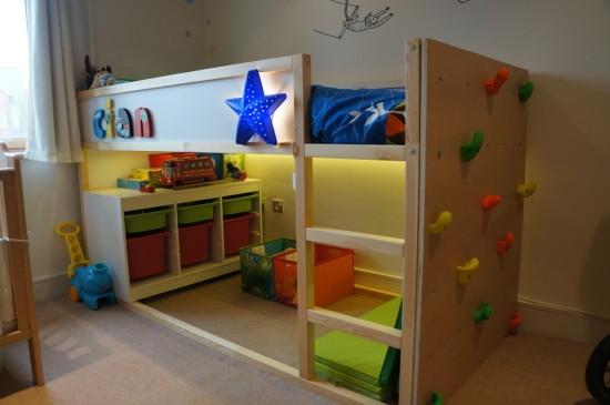 pitture geometriche sulle pareti non il solito colore cobimbo. Black Bedroom Furniture Sets. Home Design Ideas